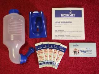 Nasenduschen gibt es zum Beispiel von Emser und Emcur